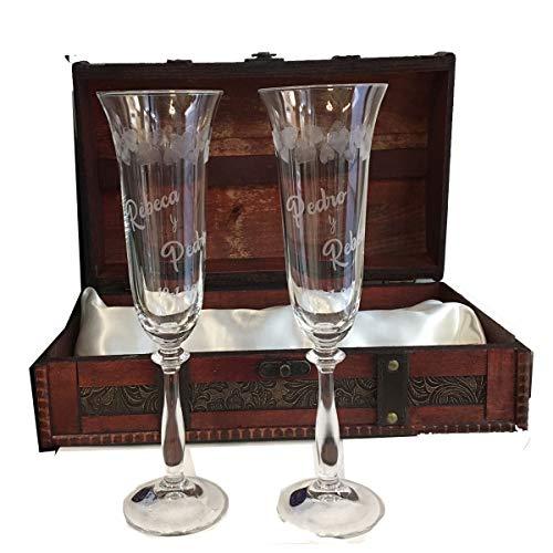Copas para boda con corazones tallados, GRABADAS personalizadas con nombre y fecha (Presentación en Baúl)