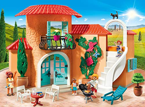 The Summer Villa is a favorite new playmobil set released in 2019