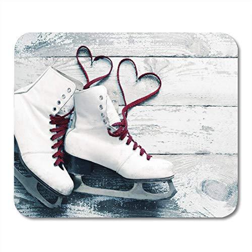 Mousepad, Sport Alte weiße Schlittschuhe für Eiskunstlauf mit Herzen aus Schnürsenkeln auf Vintage Holzkonzept Liebe Winter Bequeme Mausmatte Für Desktop-Tourismus,18x22cm