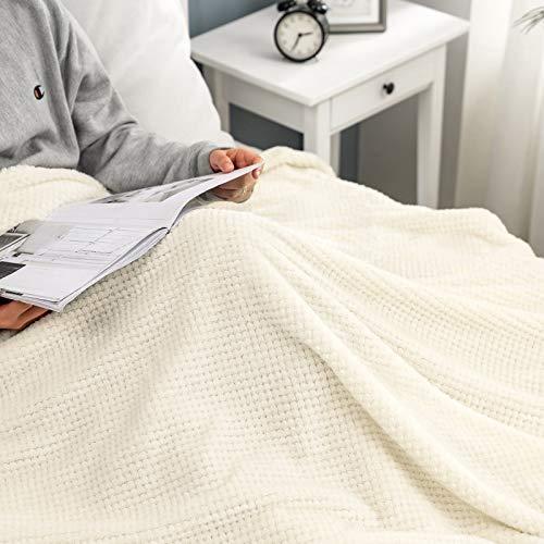 MIULEE Kuscheldecke Granulat Fleecedecke Flanell Decke Weich Flauschig Einfarbig Wohndecken Couchdecke Sofadecke Blanket für Bett Sofa Schlafzimmer Büro, 150x200 cm Cremeweiß