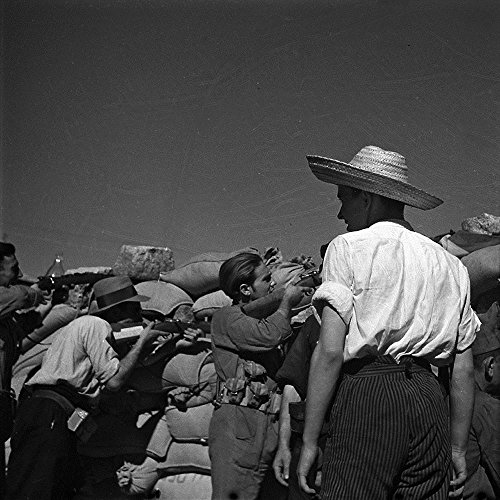 Gerda Taro: With Robert Capa as Photojournalist in the Spanish Civil War