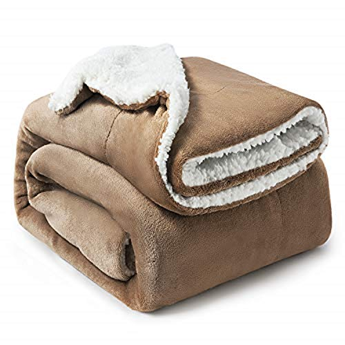 Bedsure Sherpa Throw Blanket Camel Twin/Double Size (150 x 200cm) Fleece Bed Throws Warm Reversible Microfiber Solid Blankets for Bed and Couch
