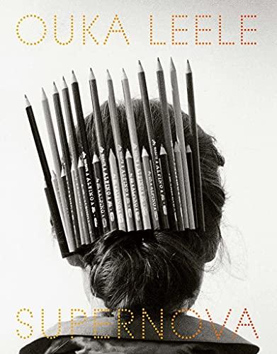 Ouka Lele. Supernova: Fotografías y dibujos. La galaxia de Bárbara Allende. (Libros de autor.)