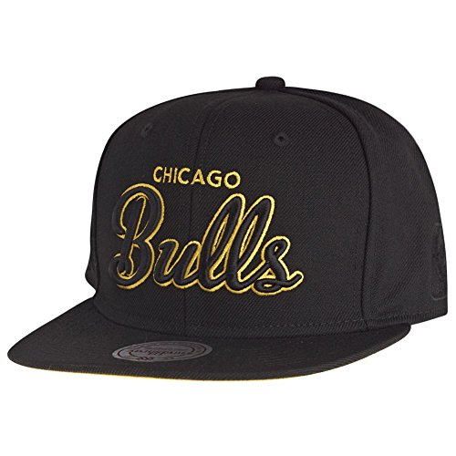 Mitchell & Ness - Casquette Snapback Homme Chicago Bulls Neon Script
