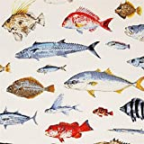 Naturfarbener Feinköper mit bunten Fischen von Cotton
