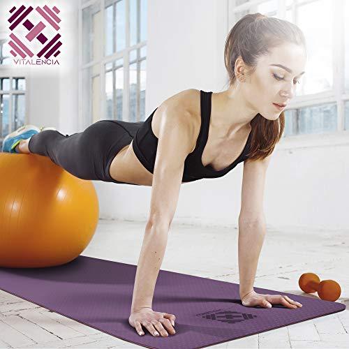 Esterilla de yoga antideslizante para gimnasia, fitness, deporte, 183 x 61 x 0,6 cm, con correa de transporte, incluye limpiador especial y paño de microfibra (morado/rosa)