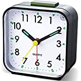 Neucox - Sveglia a batteria da comodino, non ticchettio, orologio da tavolo semplice, anal...