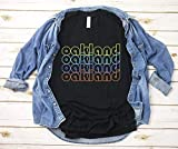 Hot- Oáklánd City Néon Lights T-Shirt Gift Oáklánd Cáliforniá Oáklánd Tourist Gift Oáklánd Souvénir Gift Uniséx Téé