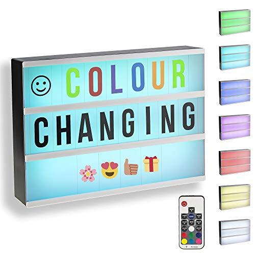 Gadgy ® Cinema LightBox mit Farbwechsel und Fernbedienung und A4 | | LED mit 85 Buchstaben und Symbole Emoji Zahlen | 30x22x5,5 cm. Funktioniert mit Batterien oder Strom