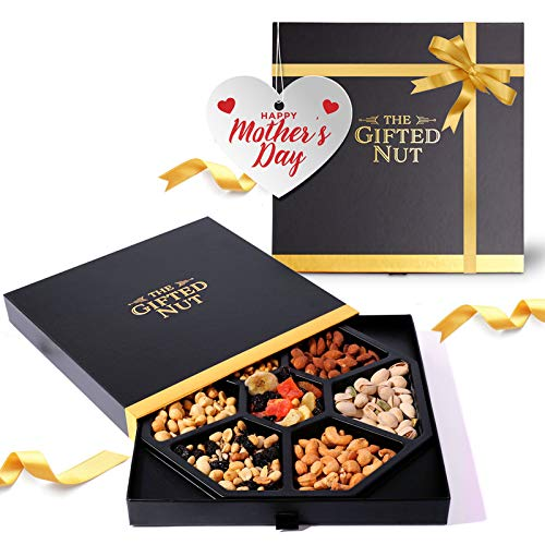 Assorted Fresh Gourmet Dry Fruits and Nuts Gift Box