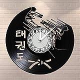 BFMBCHDJ Kickboxing Karaté Guys Disque Vinyle Horloge Murale Sports de Combat Kung Fu Montre Art Martial Coréen Taekwondo Karaté Club Décoration Murale avec LED 12 Pouces