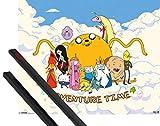 1art1 Hora De Aventuras Póster Mini (50x40 cm) Jake and His Friends On A Cloud Y 1 Lote De 2 Varillas Negras