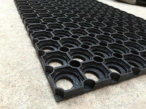 Rubberen mat 60 x 40 cm. Comfortabele uitvoering (flexibel). Ideaal voor toegang tot huis/garage/kas etc.