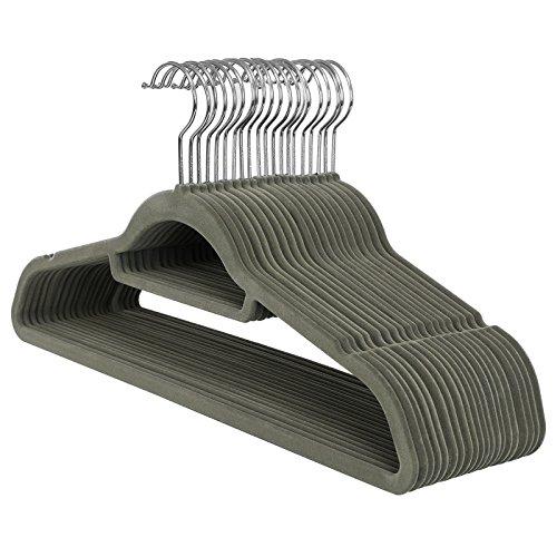 SONGMICS Kleiderbügel, Samt, 20 Stück, 0,6 cm dick, Anzugbügel, Jackenbügel mit Rutschfester Oberfläche, mit Zwei Einkerbungen, 360°drehbarer Haken, Antirutsch, Grau CRF20V