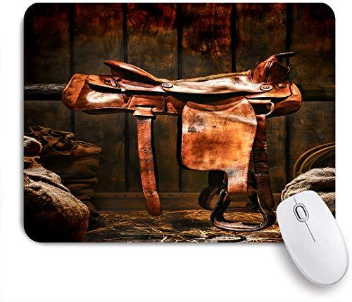 NOLOVVHA Gaming Mouse Pad Rutschfeste Gummibasis,Amerikanischer Westlegende Rodeo Cowboy brauner Leder Westernsattel in einer alten Ranch Holzscheune,für Computer Laptop Office Desk,240 x 200mm