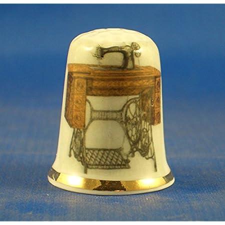 inklusive Kuppelbox Birchcroft China Porzellan-Fingerhut ge/öffnet Vaterunser Bibel