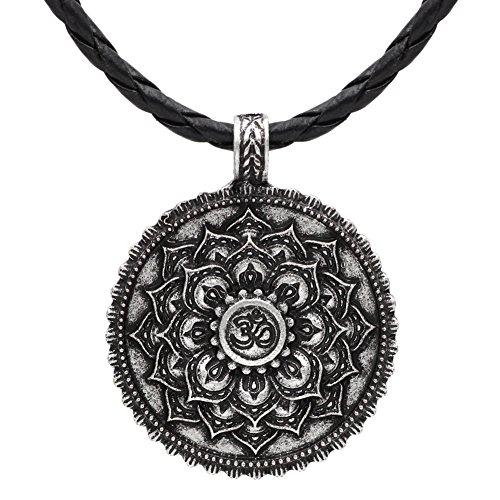 Collar vintage de plata envejecida con diseño de flor de loto y mantra Om