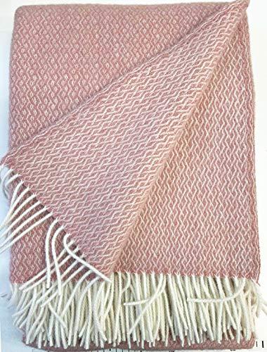 Plaids & Co Lange Wolldecke 'Brita' mit feinem Zopfmuster aus 100% Reiner Schurwolle Ökotex 100 Klasse 1, Sofadecke, Wollplaid, warme Decke, Überwurf (Nude, 140 x 220 cm)