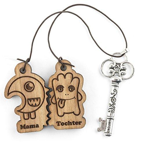Lay:Dana:O - Schlüsselanhänger Set - vorgraviert - Verschiedene Komikfiguren - aus Zedernholz mit Lederband - 5cm x 0,7cm - Mama/Tochter