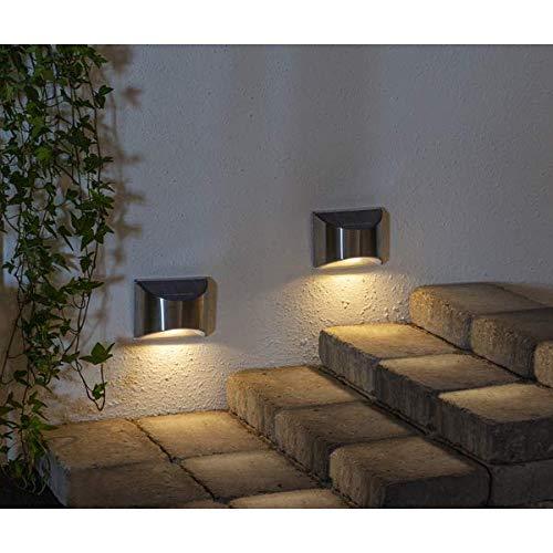 Kamaca 2er Set LED SOLAR Wandleuchte 10 Lumen wetterfeste Solar Außenleuchte Sicherheitslicht Vermeidung von Stürzen je 4 warm Weisse LED helle Ausleuchtung (2er Set LED Solar Wandleuchte)