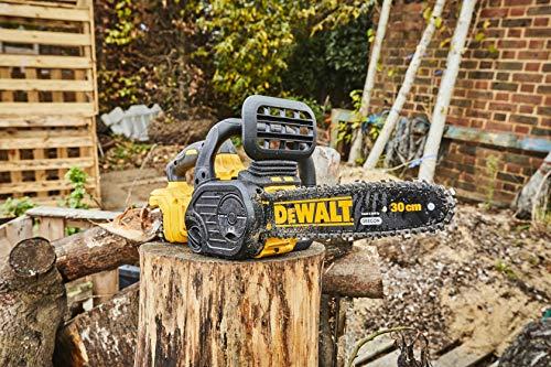 DEWALT - Tronçonneuse Élagueuse Brushless XR 18V 5Ah Li-Ion - DCM565P1-QW - Tronçonneuse Sans Fil avec Batterie / Chargeur et Poignée Ergonomique - Moteur 3750-4200tr/min - Vitesse de Chaine 7.68 m/s
