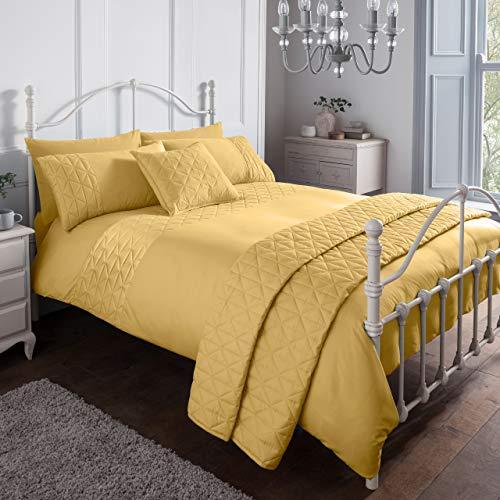 Sleepdown Pinsonic Mustard Geometric Panel Luxury Soft Duvet Cover Quilt Bedding Set With Pillowcases - Double (200cm x 200cm)