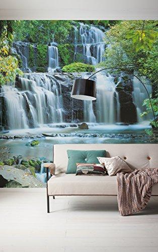Komar 256-DV3 Vlies Fototapete PURA KAUNUI Falls Tapete, Wand Dekoration, Wasserfall, Wald, Fluss, Wasser-256-DV3, bunt, 300 x 250 cm (Breite x Höhe)