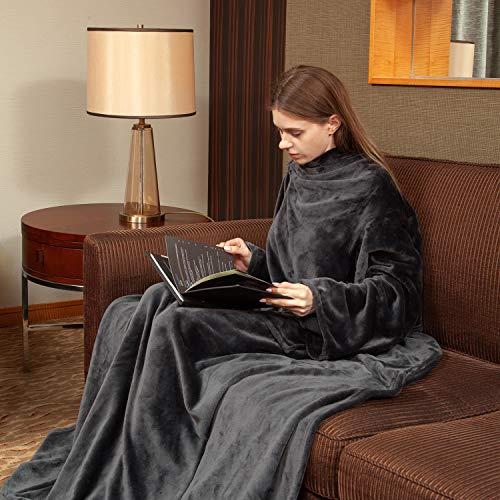 Viviland TV-Decke Kuscheldecke mit Ärmel und Fuß Tasche, Mikrofaser Decke Coral Fleece, Tagesdecke XL 170 x 200cm Grau