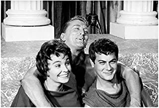 Tony Curtis 8 x 10 Photo Spartacus w/Kirk Douglas, Jean Simmons Laughing kn