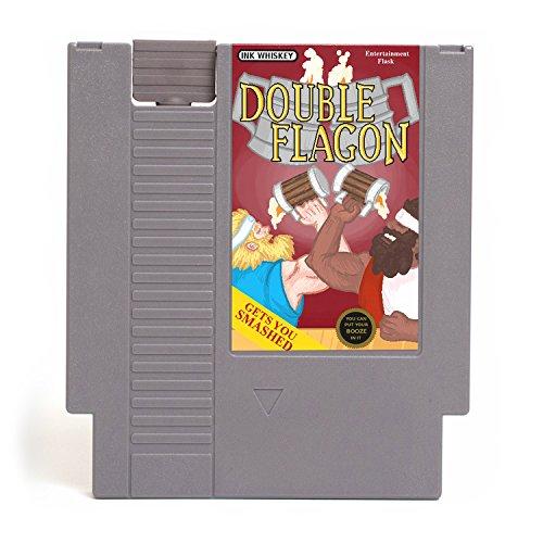 Frasco ocultable con diseño de entretenimiento NES - se ve como un cartucho retro de juego de Nintendo, pero es un frasco con una...