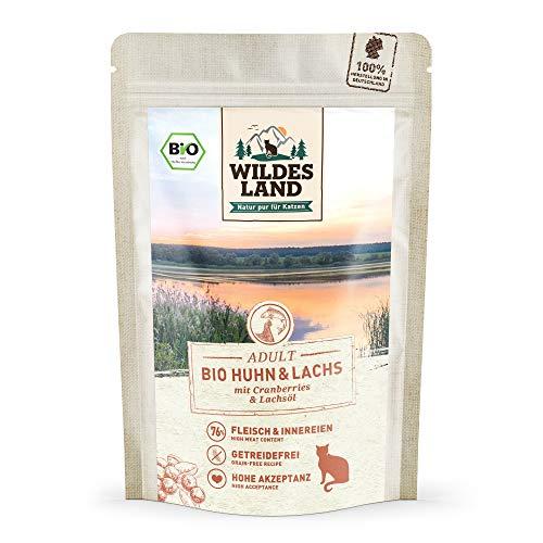 Wildes Land | Nassfutter für Katzen | Nr. 2 Huhn & Lachs | Bio | 12 x 85 g | Aus kontrolliertem biologischen Anbau | Getreidefrei | Extra viel Fleisch