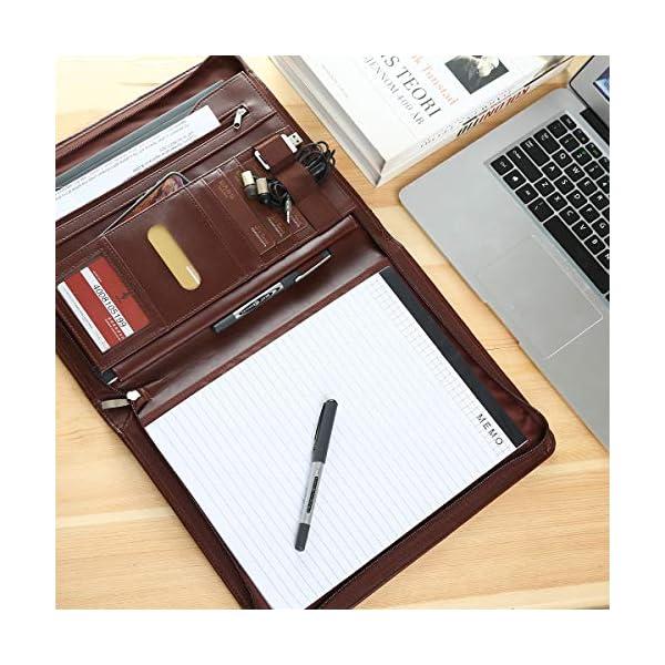 51iU4apbyDL. SS600  - Leathario Portafolio de Carpeta Portadocumentos A4 Organizadora Oficina Personal para Conferencias de Negocio PU de Viaje con Cremallera y Calculadora (Marrón y rojo)