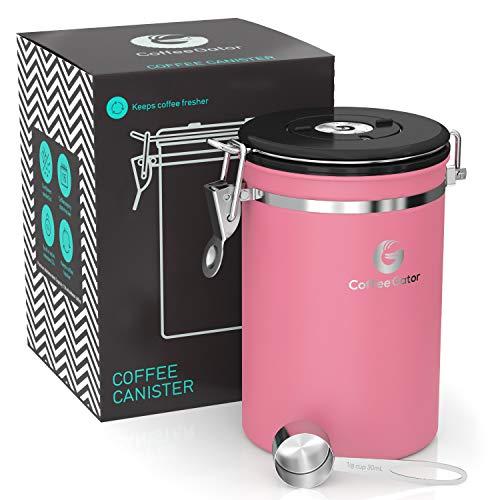 Coffee Gator-Edelstahl-Kaffeedose – Hält gemahlener Kaffee und Bohnen länger frisch – Behälter mit Datumsverfolgung, CO2-Freigabeventil und Messlöffel - Groß - Rosa