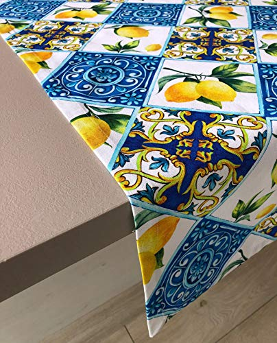Mantel de mesa de KDreams. Algodón. Maiolicas, limones, arabescos. Rectangular. Decoración mediterránea, moderna, elegante. Fabricado en Italia.