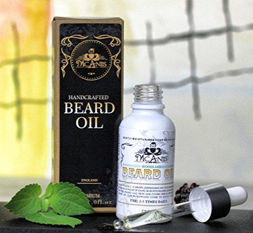 Mcaniis Premium - Aceite de barba natural y puro alcohol libre de parabenos sin fragancia artificial para hombres africanos Halal-Woodland aroma con aceite de cedro