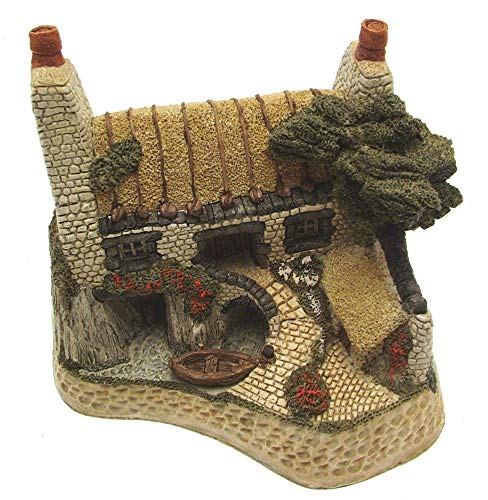 House On The Loch Scottish Collection Ornament Figurine