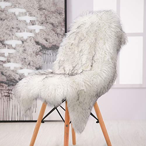 Softlife Faux Fur Sheepskin Area Rug Shaggy Wool Carpet for Bedroom Living Room Home Decor (2ft X 3ft, White-Grey Tip Irregular)