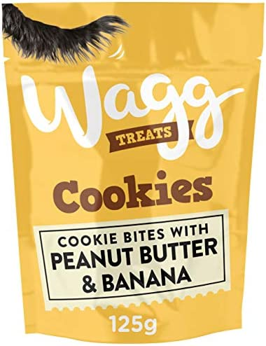 Wagg Peanut Butter and Banana Cookie Dog Treats, 125 g, (Pack of 7) – Dogs Corner
