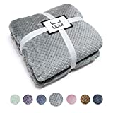 U UQUI Flannel Fleece Luxury Throw Blanket, Grey Queen Size Jacquard Weave Pattern Cozy Couch/Bed Super Soft and Warm Plush Microfiber 300GSM (78'x90')