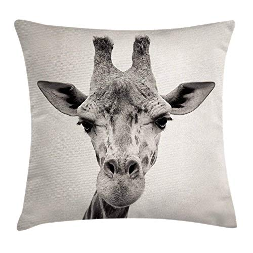 N\A Giraffe Throw Pillow Cushion Cover Vintage Head of The African Animal Monochrome Image Herbivore Long Neck Creature Decorative Square Accent Pillow Casees