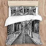 GeGe Juego de Funda nórdica, Street Sett Old Town Antibes France Digital Alley Vintage Architecture Archway Ciudad Negra adoquinada, Decorativa Juego de Cama de 3 Piezas con 2 Fundas de Almohada