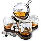 Whisiskey® Whiskey Karaffe - Globus - Whisky Karaffe Set - 900ML - Geschenke für Männer - Inkl. 4 Whisky Steine, Ausgießer & 4 Whisky Gläser