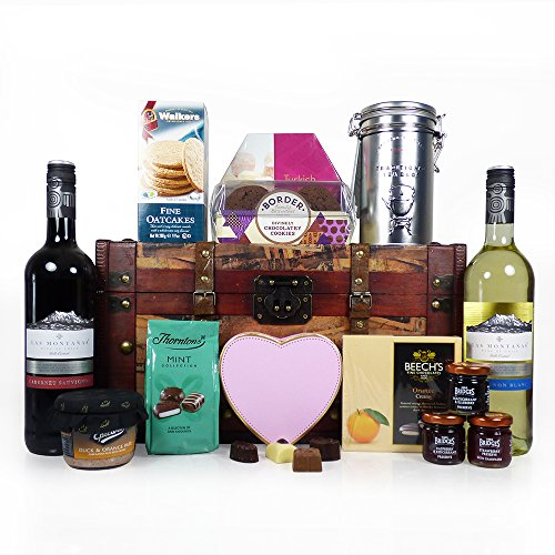 75cl Las Montanas Red and White Wine with Food Presented in a Wooden Chest Hamper - Ideas for Mum, Mothers Day, Birthday, Anniversary, Corporate