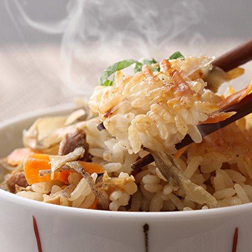 大分県の郷土料理、おこげの香ばしい鶏めしです。「大分具だくさん鶏めしの素セット」〔150g×5〕