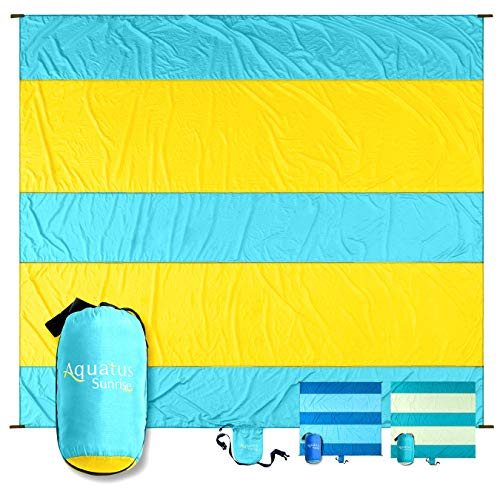 AQUATUS Sandproof Beach Blanket Extra Large Oversized 10ft by 9ft for 7 Adults Best Beach Mat for Outdoor Camping, Picnic, Travel, Hiking, Festivals, and Events