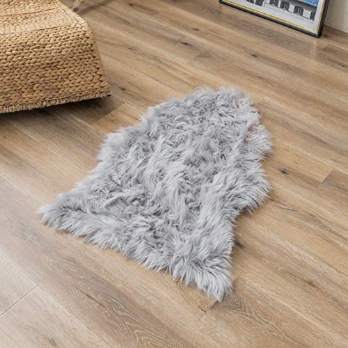 Super Soft Grey Faux Fur Area Rugs, Fuzzy Fluffy Sheepskin Chair Seat Cover, Shaggy Furry Floor Mat, Carpet for Nursery Rugs Living Room Bedroom Bedside, 2 x 3 Feet