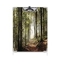 カスタム クリップボード クリップファイル 農場の家の装飾 学校・ご家庭・オフィスなど場所 遠くの荒野のシーングリーンブラウンの霧と山の秋の森の経路
