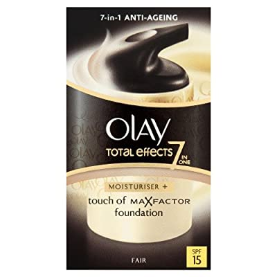 Olay Total Effects Touch of Max Factor Foundation SPF15 Moisturiser 37 ml - Fair