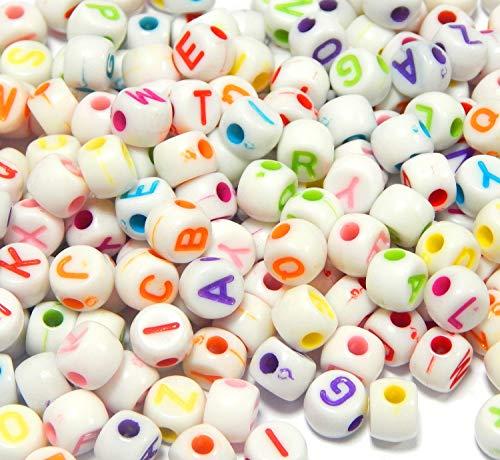 Perlin D86 - Cuentas de plástico con diseño de letras, redondas, 7 mm, 150 unidades, color blanco y letras multicolor de la A a la Z, para cadenas, pulseras, joyas infantiles