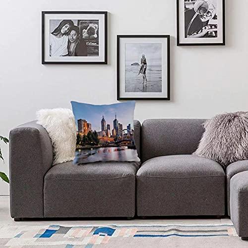 Bedsure Funda Cojin 45 x 45cmPaisaje de la Ciudad, temprano en la mañana en Melbourne Australia Famoso río Yarra escénico, narFunda de Almohada Cuadrada para Sofá, Dormitorio y Sala de Estar